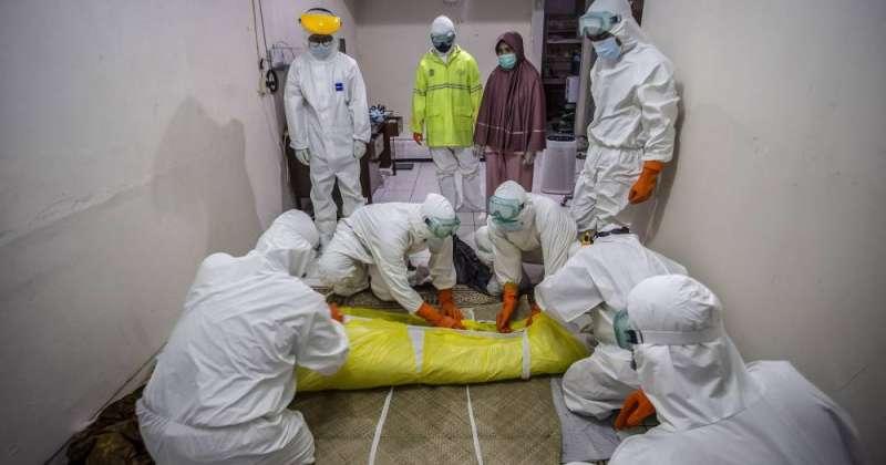 وفيات «كورونا» حول العالم تتخطى الـ 4 ملايين