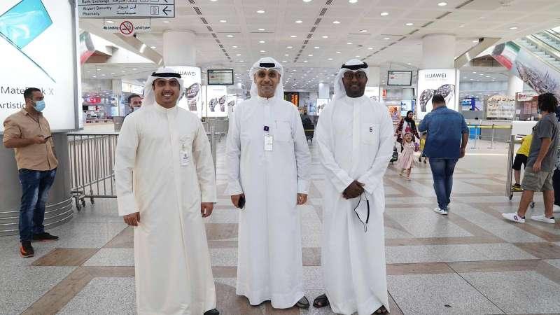 "Al-Nuwaibit, Al-Maqron and Al-Zankawi from the ""stc"" team"